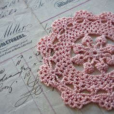 FREE PATTERN ~ C ~ @ http://www.craftown.com/doily/pat6.htm crochet doily