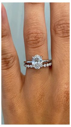 Modern Wedding Rings, Stacked Wedding Rings, Platinum Wedding Rings, Wedding Ring Styles, Wedding Band Sets, Wedding Rings For Women, Diamond Wedding Bands, Platinum Wedding Band Womens, Circle Wedding Rings