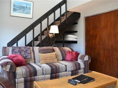 Der Steiermark Unit 219 Breckenridge (Colorado) Located 300 metres from QuickSilver Super6 in Breckenridge, this apartment features free WiFi. The unit is 700 metres from Beaver Run SuperChair.  There is a seating area and a kitchen as well as a private bathroom. A flat-screen TV is offered.