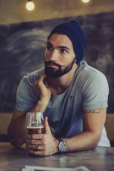Beard styles is the most important in your fashionable life, if you have beard with moustache then you look perfect decent man ! There are many beard and moustache styles that give you completely trendy or beautiful look Beards And Mustaches, Moustaches, Mode Hipster, Estilo Hipster, Hipster Man, Hipsters, Bart Styles, Beard Tattoo, Tattoo Man