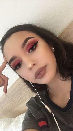 Make-up Inspiration. Atemberaubende Make-up Inspir Glam Makeup, Baddie Makeup, Cute Makeup, Pretty Makeup, Skin Makeup, Makeup Inspo, Red Eye Makeup, Red Makeup Looks, Makeup Man