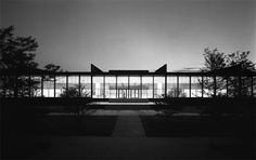 Crown Hall (Illinois Institute of Technology), Mies van der Rohe   Amazing building - would have loved to have had studio class in here.