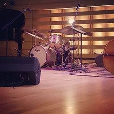 his drums. I'm assuming he will be here shortly. by woody_drums Gretsch Drums, All That Jazz, Jaz Z, Drummers, Woody, Blade, Instagram Posts, Llamas, Woody Allen Quotes