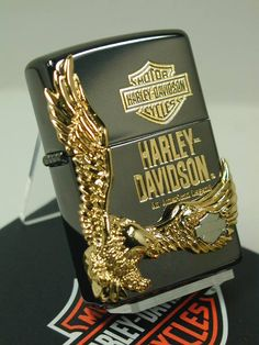 Zippo Shop DARUMAYA: Zippo lighters: Zippo Harley-side Eagle //Harley Davidson / black JP Japan limited production model black gold ☆☆ - Purchase now to accumulate reedemable points! Zippo Harley Davidson, Harley Davidson Jewelry, Cool Lighters, Cigar Lighters, Zippo Lighter Rare, Zippo Usa, Zippo Collection, Motorcycle Icon, Gold Purchase