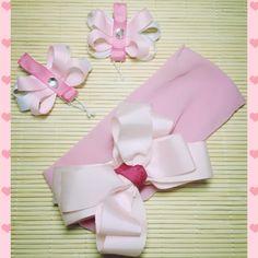 Faixa infantil em meia de seda com laço de gorgurão e borboletas com bico de pato