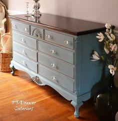 Vintage Dresser Makeover in Blue #shabbychicdressersmakeover #shabbychicdressersvintage #shabbychicdressersblue