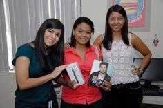 Amy Diaz, participo en el sorteo de Bureo.com y ahora está feliz disfrutando de su premio: Un ONE TOUCH IDOL ULTRA. No te despegues de ALCATEL ONE TOUCH DOMINICANA y podrás pertenecer a nuestro álbum de ganadores.