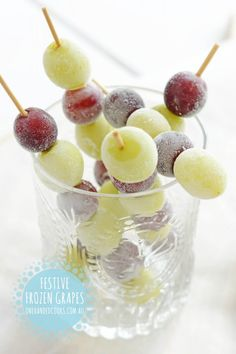FESTIVE FROZEN GRAPE SKEWERS:  These frozen grape skewers are a fun and festive way for the kids to keep cool in the heat on Christmas Day. #onehandedcooks