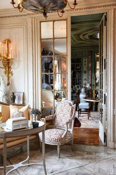 Love these glass French doors. New York living room of Howard Slatkin. Doors circa 1958 by Stephane Boudin of Jansen for Palm Beach residence of Mr & Mrs Charles Wrightsman Decor, House Design, Furniture, Beautiful Interiors, Living Decor, French Decor, Interior Design, Home Decor, House Interior