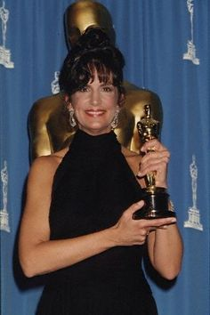 Mercedes Ruehl won the Academy Award for Best Supporting Actress for her role in The Fisher King.