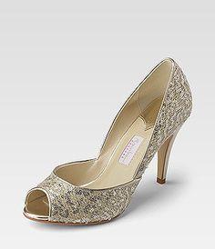 Goldene Schuhe, gesehen bei Görtz.