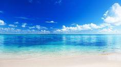 Non si può essere infelice quando si ha questo: l'odore del mare, la sabbia sotto le dita, l'aria, il vento.  Emozioni, profumi, che non hanno rivali. Il mare è una magia misteriosa, che trascina via ogni pensiero, ogni malinconia, con il ritmo delle sue onde.  E quale modo migliore se non vivere questa avvenutra con una barca? Un'imbarcazione con la quale solcare il mare e spingersi verso nuove mete.  Scopri di più su: http://www.dalvi.it/