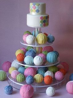 Large Cake Balls w/RI piping & mini cake!