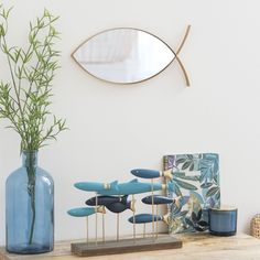 Matte Gold Metal Fish Mirror 4019 2019 Matte Gold Metal Fish Mirror 4019 on Maisons du Monde. Take your pick from our furniture and accessories and be inspired! < The post Matte Gold Metal Fish Mirror 4019 2019 appeared first on Metal Diy. Teen Furniture, Hallway Furniture, Sideboard Furniture, Small Furniture, Dining Room Bench Seating, Sun Lounger Cushions, Decorative Storage Boxes, Metal Fish, Home Scents