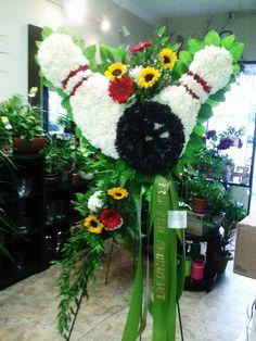 Bowling Spray We Love Florists Designer Idalina Bertone Funeral Floral Arrangements, Creative Flower Arrangements, Beautiful Flower Arrangements, Unique Flowers, Beautiful Flowers, Funeral Tributes, Funeral Eulogy, Funeral Sprays, Casket Sprays
