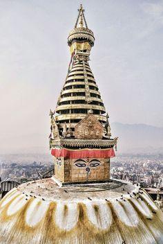 Eye of the Peace, Kathmandu, Nepal. When will you visit Nepal? Places Around The World, Travel Around The World, Temples, Voyage Nepal, Nepal Kathmandu, Asia Travel, Travel Nepal, Kirchen, Photos