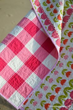 you glad the weekend is almost here? I made this quilt earlier this Spring for a friend who had a bab.Are you glad the weekend is almost here? I made this quilt earlier this Spring for a friend who had a bab. Gingham Quilt, Pink Quilts, Baby Girl Quilts, Girls Quilts, Quilt Baby, Patch Quilt, Quilt Blocks, Picnic Quilt, Baby Quilt Patterns