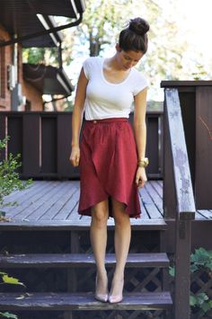 TULIP WRAP SKIRT TUTORIAL ~  cute although I would be worried about it being lifted by a stiff breeze.