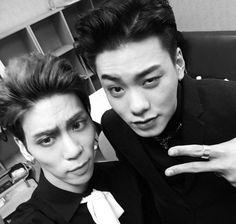Jonghyun (SHINee) and Iron (rapper) Selca