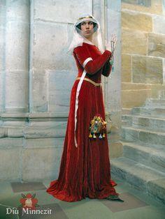 Französische Cotehardie aus krappgefärbtem Seidensamt