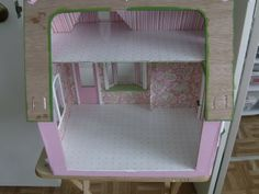 More Minis @ Blogspot: The Storybook Cottage Dollhouse Day 9
