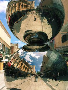 Big Balls in Rundle Street, Adelaïde