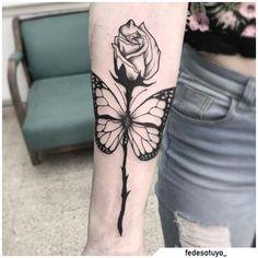 Tatuaggio farfalla - Butterfly tattoo #tat #tats #tattoo #tattooed #ink #inked #butterfly #butterflytattoo #naturetattoo #animaltattoo #fly #tattooideas Rose And Butterfly Tattoo, Nature Tattoos, Yin Yang, Blackwork, Tatting, Tattoo Ideas, Ink, Bobbin Lace, Needle Tatting