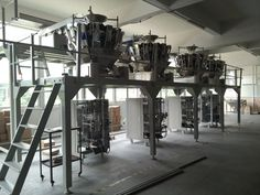 vibration feeding device multihead weigher 420 VFFS packing machine by leading manufacturer of Packaging Machinery--WISPAC MACHINERY CO. Packaging Machinery, Packing Machine, Packaging Solutions, Tools, Instruments