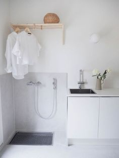 Laundry Decor, Small Laundry Rooms, Laundry Room Design, Laundry In Bathroom, Laundry Area, Interior Design Living Room, Living Room Designs, Küchen Design, House Design