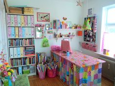 Craft room - work space by heidi (bang bang)