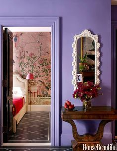 Simple and Stunning Foyer Design of Small Apartment Interior Decoration in Lavender Color Small Apartment Decorating, Decorating Small Spaces, Apartment Design, Decorating Ideas, Apartment Interior, Decorate Apartment, Apartment Layout, Purple Wall Paint, Purple Paint Colors