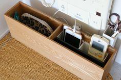 algunos artículos se pueden usar de una manera diferente a la original, como este el estante de zapatillas para usarlo en toda la casa de maneras varias. Diy Organisation, Small Space Organization, Storage Design, Japanese House, Home Hacks, Wooden Diy, Clean Up, Home Improvement, House Design