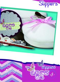 Slipper básica blanca con un toque rosa harán que tus pies luzcan super chic...