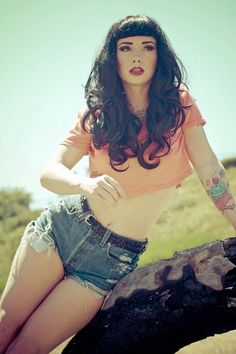 Retro with a modern twist. Bettie Page hair inspiration:: Rockabilly Hair and Makeup:: Pin Up:: Bettie Paige hair and bangs