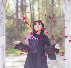 ❤ Black hellebore scarf from the cotton collection is back in stock only on www.com get your hands on it… Iranian Women Fashion, Muslim Fashion, Modest Fashion, Hijab Fashion, Muslim Girls, Muslim Women, Hijab Dpz, Hijab Cartoon, Bridal Poses