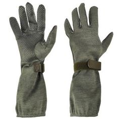 German Nomex Pilot Gloves Slip your vulnerable, flesh covered. Leather Holster, Leather Gloves, M65 Jacket, Combat Helmet, Military Issue, Belt Pouch, Grab Bags, Military Fashion, Pilot