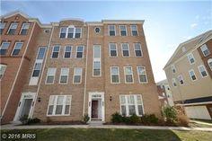 42798 Lauder Terrace, Ashburn, VA 20147 Sold $365,000 Spacious End Unit condo in popular Goose Creek Village. Like new!