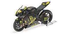 Racing Scale Models: Yamaha YZR-M1 Valentino Rossi Test Sepang 2007 L.E. 1007 pcs by Minichamps