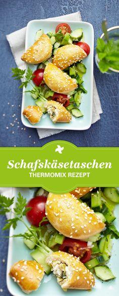 Yummie! Thermomix ® Rezept für vegetarische Schafskäsetaschen. Ideal als Fingerfood zu Silvester. Einfach selber machen mit diesem Rezept vom Rezept-Portal Cookidoo ®.