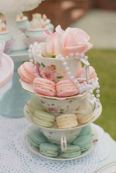 Who doesn't love a good vintage tea party, right? This theme is so versatile and can be used for a little girl's birthday like in this party or for a bridal shower or a baby shower! This pretty Mint and Pink Vintage Tea Party by Over The Moon Events is t Fiesta Baby Shower, Bridal Shower Tea, Tea Party Bridal Shower, Baby Shower Parties, Shower Party, Shower Games, Tea Party Wedding, Mint Baby Shower, Bridal Shower Desserts