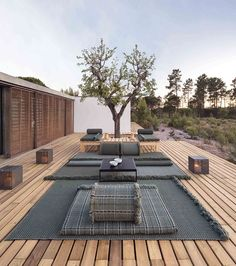 Garden Layers by GAN: infinite combinations for outdoor living