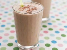 Schoko-Bananen-Shake mit Haselnuss | Zeit: 20 Min. | http://eatsmarter.de/rezepte/schoko-bananen-shake-mit-haselnuss