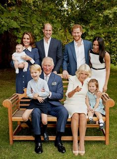 Prince George Photos, Photos Of Prince, Prince William And Kate, Prince Charles, William Kate, Royal Family Portrait, Family Portraits, Family Photos, Duchess Of Cornwall