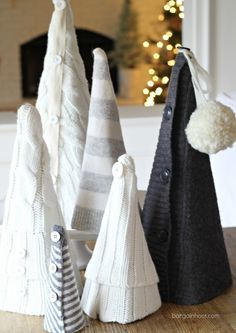 How to make Recycled sweater trees. Homemade Christmas, Christmas Projects, All Things Christmas, Winter Christmas, Christmas Holidays, Christmas Ideas, Christmas Decor, Tree Crafts, Spring Crafts