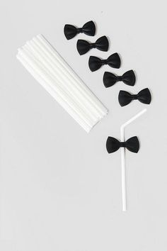 Add some class to your glass with Bow Tie Straws! These straws will be the hit to any party or get-together. Pair with our additional bar & entertaining accessories for a complete look.<br /> <br /> - Includes 24 straws with 6 reusable bow ties<br /> - Back of bow tie snaps on to straw<br /> - For adult use only<br /> - Hand wash only<br /> - By Kikkerland<br /> - Imported