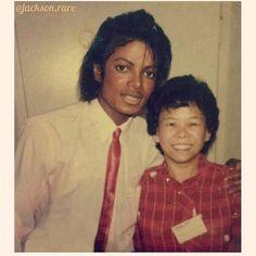 Michael meeting a fan back in February 1984.