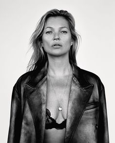 Kate Moss by Alasdair McLellan for Love Magazine Spring-Summer 2018 - Women Cara Delevingne, Grunge Style Outfits, Kate Moss Stil, Moss Fashion, Style Urban, Bret Michaels, Queen Kate, Diy Outfits, Love Magazine