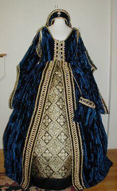Tudor upper nobility gown