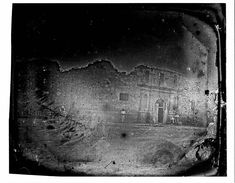 """The earliest datable photograph taken in Texas is this 1849 daguerreotype of the front of the Alamo chapel."" (Center for American History, UT Austin) Texas History, World History, History Class, Old Pictures, Old Photos, San Antonio, Texas Revolution, Republic Of Texas, San Jacinto"