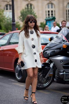 Miroslava-Duma-Mira-Duma-by-STYLEDUMONDE-Street-Style-Fashion-Photography_MG_8099-700x1050